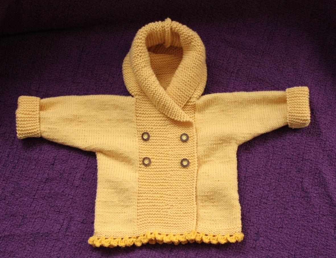 Wolle und Meer: Babyjäckchen mit Kapuze in hellgelb