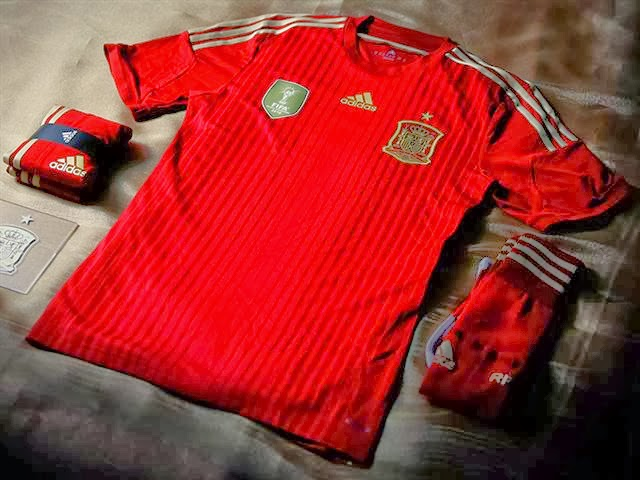 Pakmans Football Blog: new Spain kit for FIFA World Cup 2014