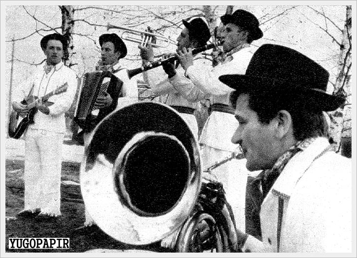 Zvezda Ceklić - Ceca - Seja Brata Prati U Armiju