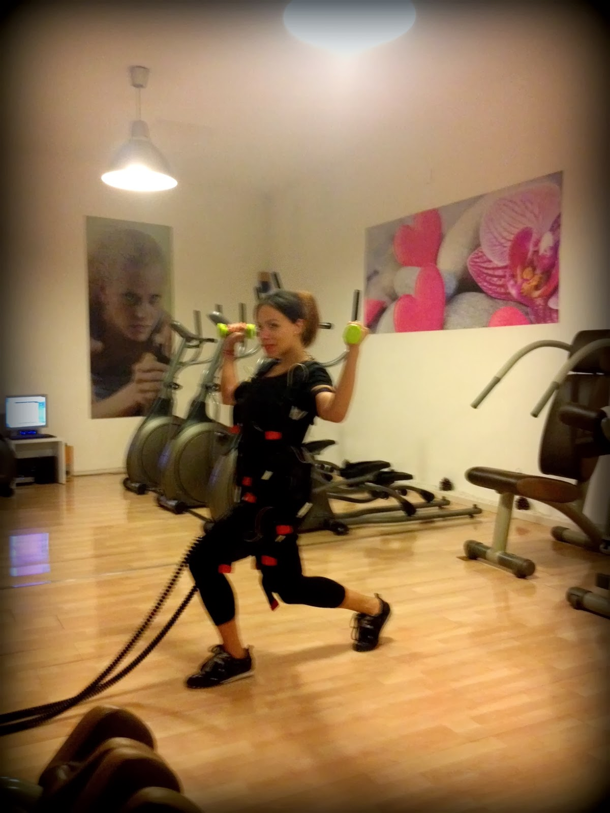 Angie r belleza electroestimulaci n time for beauty for Gimnasio femenino