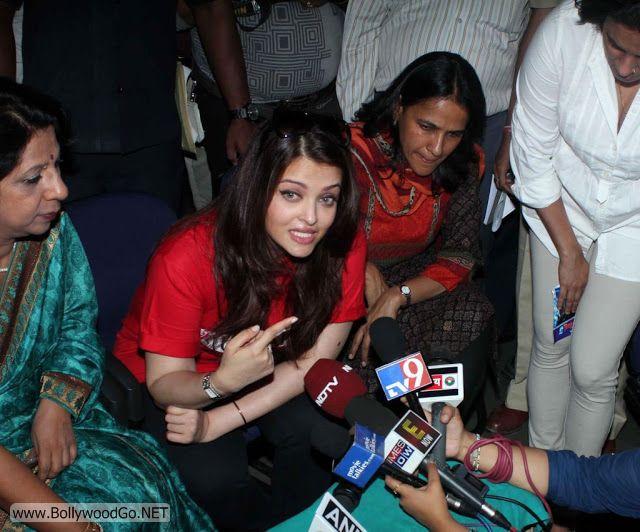 Aishwarya+Rai+in+Hospital+(3)