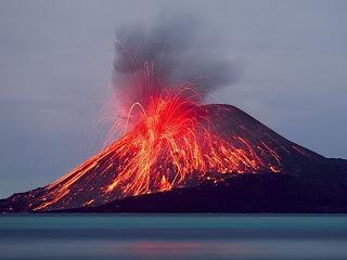 Pengertian Gunung Meletus Dan Gambar Gunung Meletus