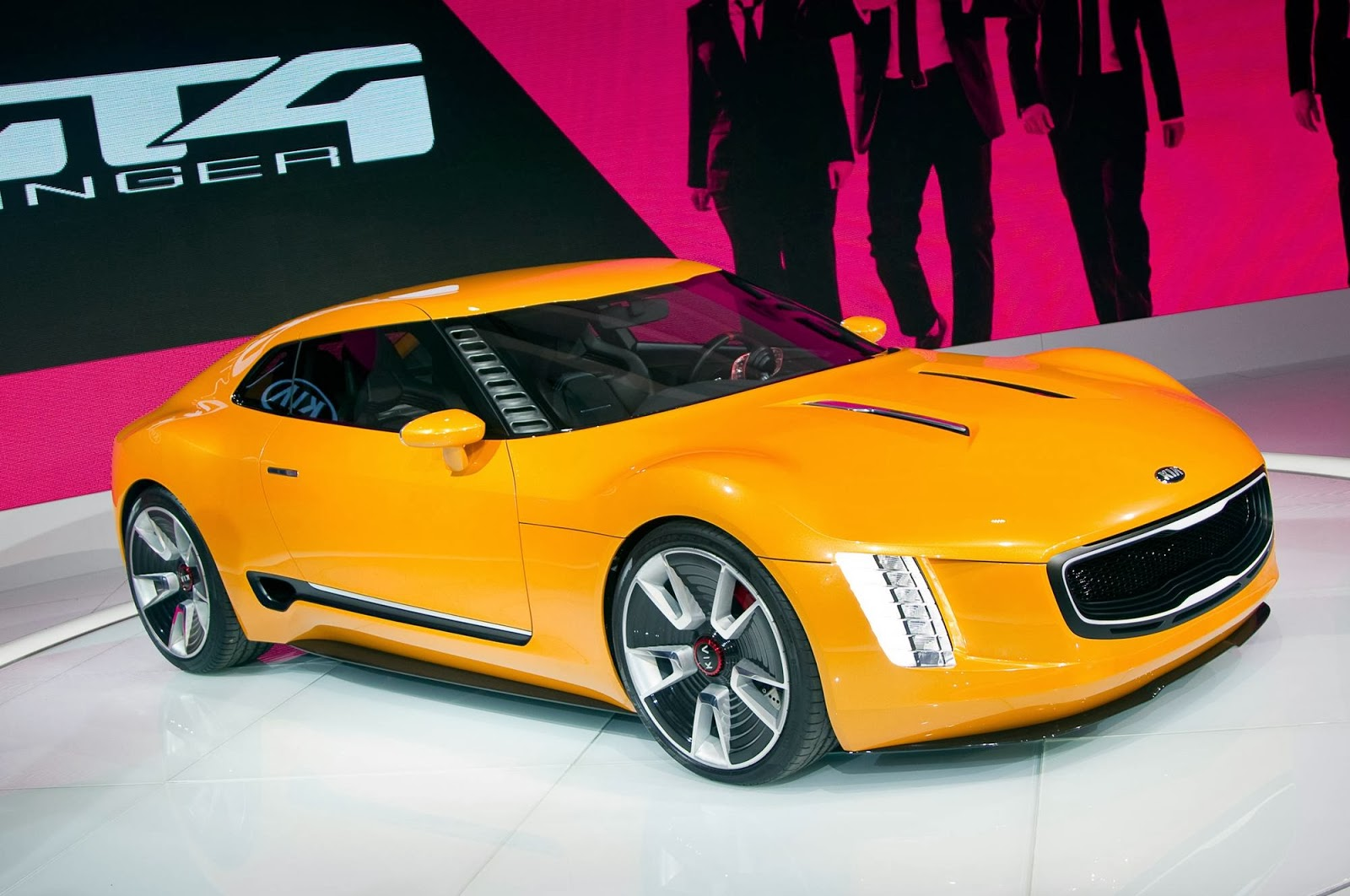 oversteer kia 39 s very yellow gt4 stinger sports car concept. Black Bedroom Furniture Sets. Home Design Ideas