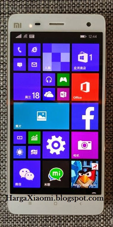 Xiaomi Mi4 menggunakan OS Windows 10 dengan custom ROM dan berbagai layanan yang diberikan oleh Microsoft