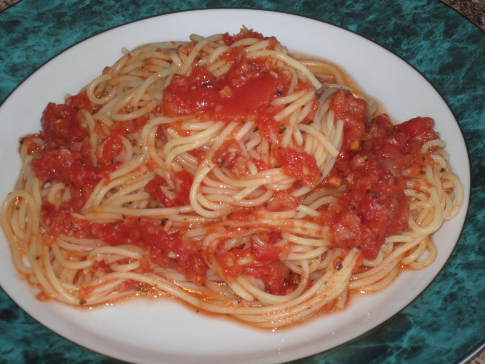 Cuisine chic et simple spaghetti sauce tomate maison au for Sauce tomate cuisinee
