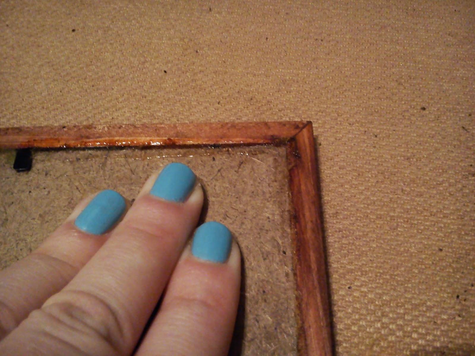 Рука в щелке 3 фотография