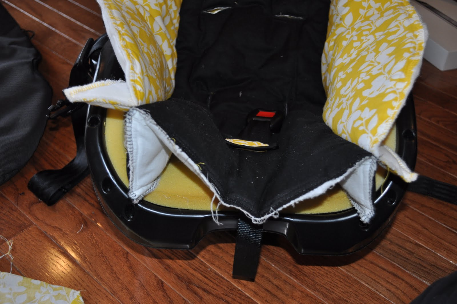Graco Car Seat Model  How To Detach The Base