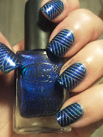 http://cathenail.blogspot.fr/2013/02/stamping-lineaire-holo.html