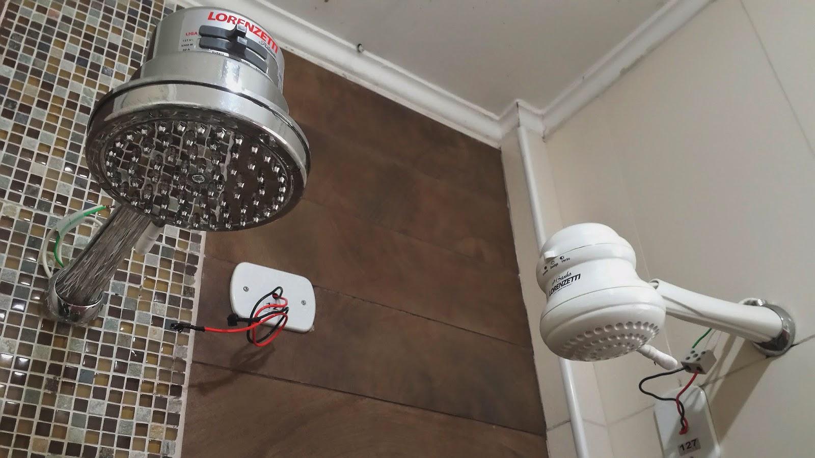 #5B4637 Dicas do Gilson Eletricista: Um pequeno banheiro reformado e com 2  1600x900 px Banheiros Pequenos Terra 121