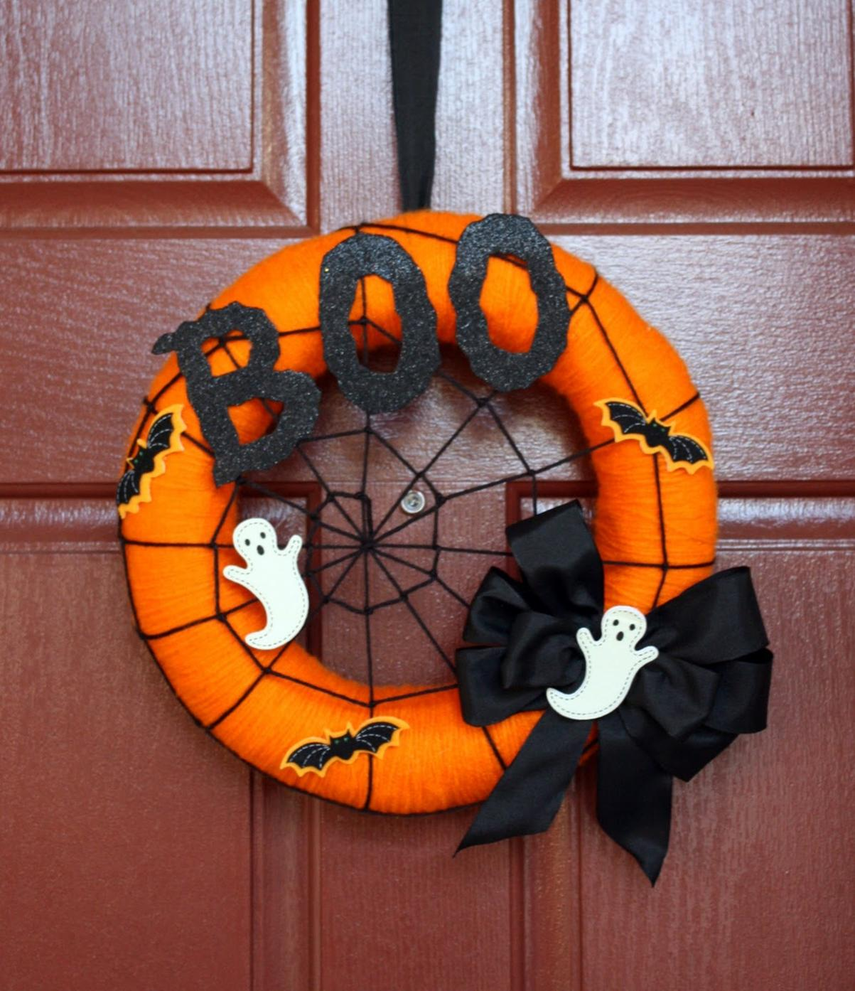 ... the Wall: Halloween Wreaths, Ghosts, Trees and Door Decor-A Must See