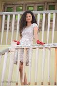 Soumya Sukumar in Pora pove-thumbnail-8