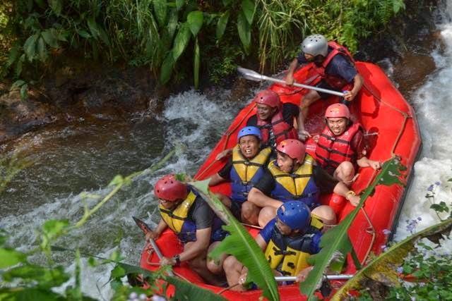 Paket Rafting Bandung Murah