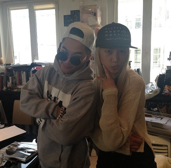 taeyang with soo joo paris mens fashion week 2013