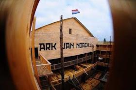 """هولندي يشيد """"سفينة نوح"""" خشية 14.jpg"""