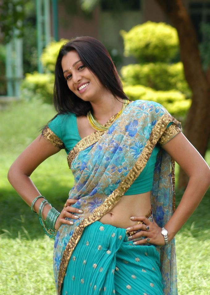 Manjulika In Blue Saree