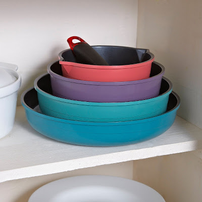 nesting pan set, in blue, green, purple and red