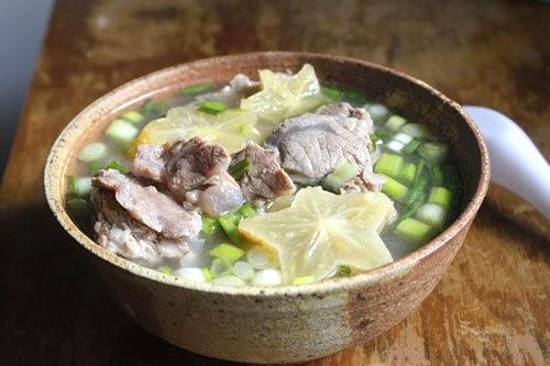 Canh chua: Bắp bò nấu khế