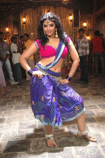 anjali in kalakalappu new actress pics