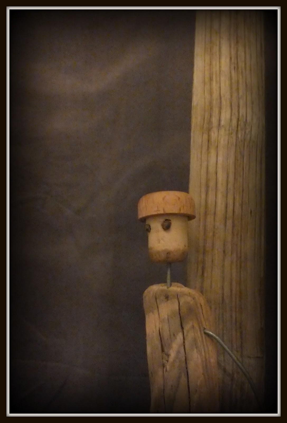 Mutoz inc art en bois flott diverses statuettes surf for Bois flotte nantes