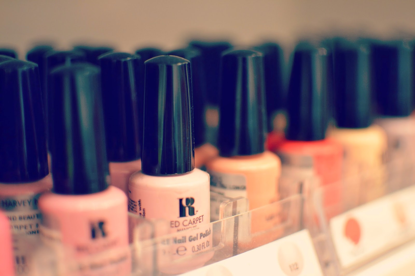 red carpet gel  nail polish