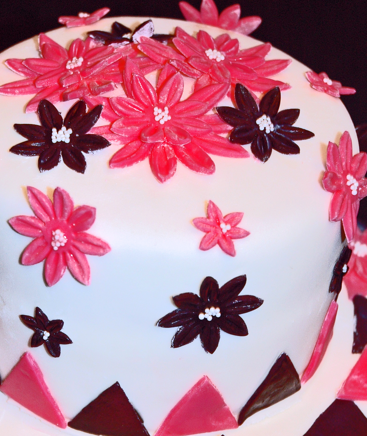 Hbg Sweets Pink And Black Fondant Cake