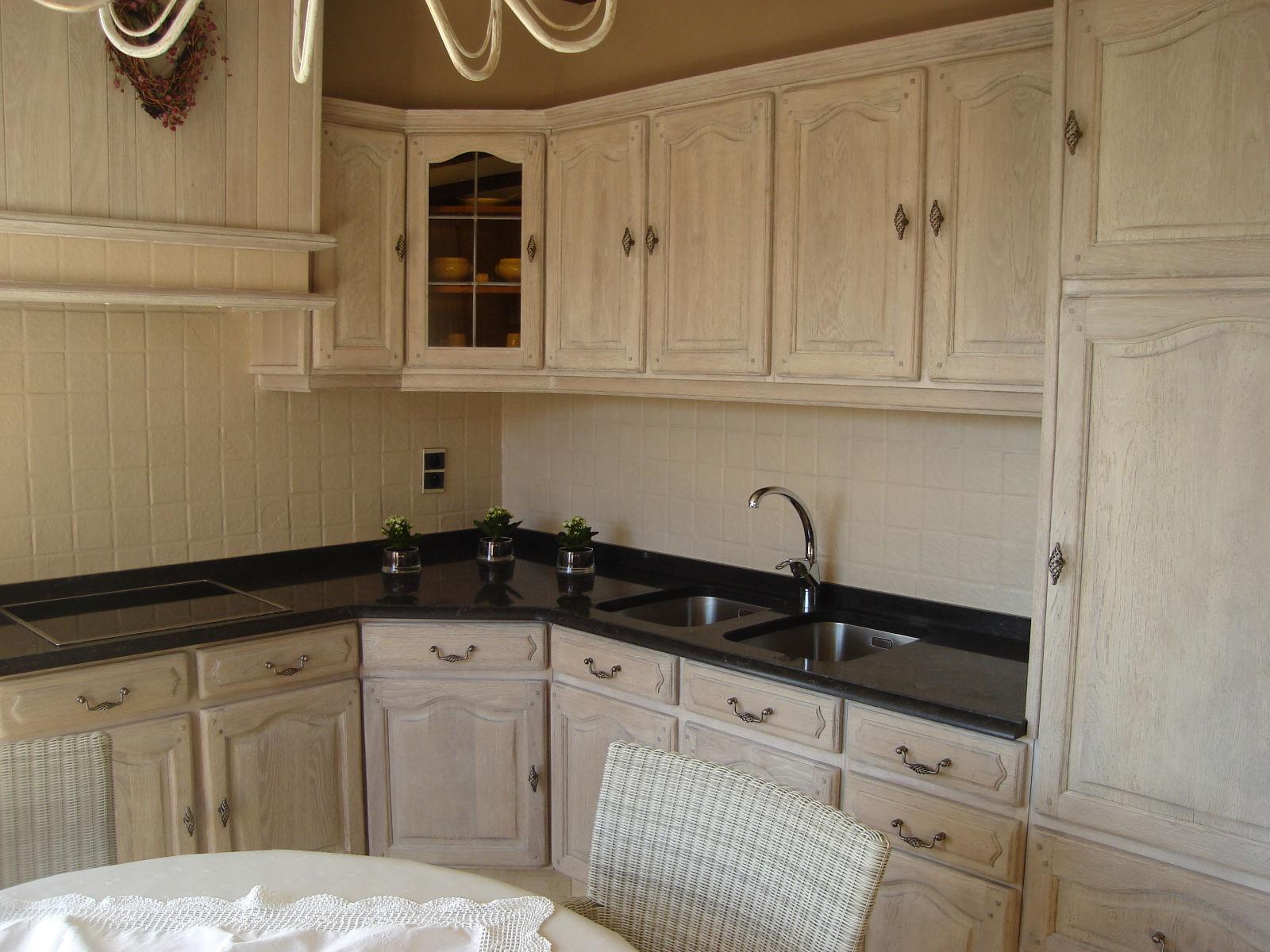 Renovatie van een eiken keuken renovatie van eiken keukens - Keuken meuble noir ...