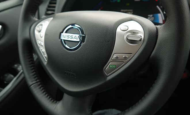 2013 Nissan Leaf steering wheel eco button