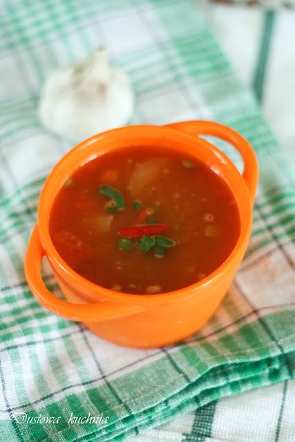 zupa z soczewicy, zupa z zielonej soczewicy, zupa pomidorowo-soczewicowa,