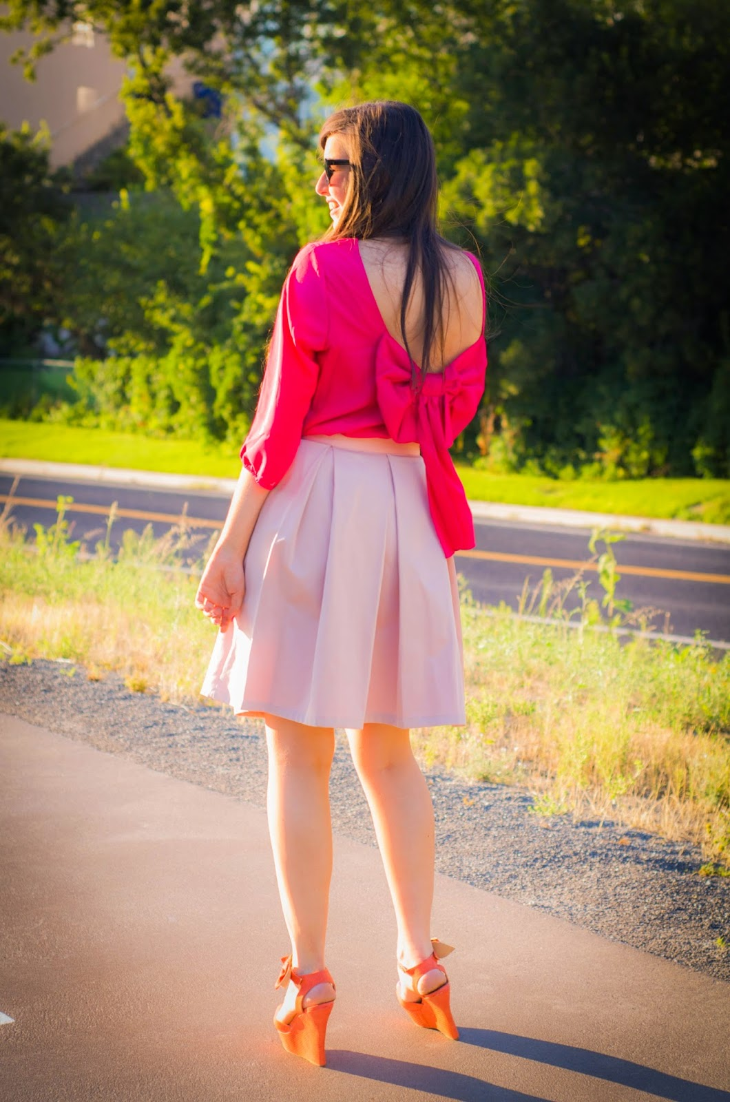 bow outfit, bow back, bow skirt, bow shirt, 3/4 sleeve bow top, pink skirt, pink pleated skirt, how to wear a bow back shirt, midi skirt, bow wedges, what to wear with wedges,