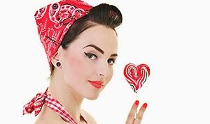 Jak zorganizować wieczór panieński w stylu Pin-up Girl?