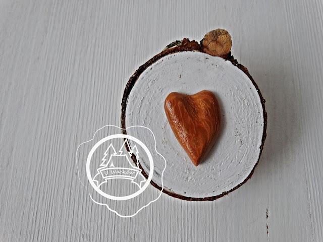 Walentynki na drewnie :)