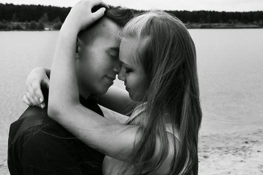 Hãy vuốt ve nhau để yêu thương