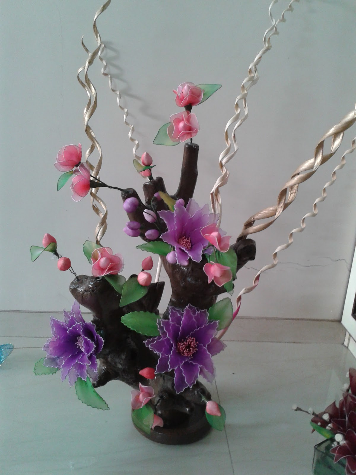Neelam arts and craft classes stocking flowers for Art and craft flowers