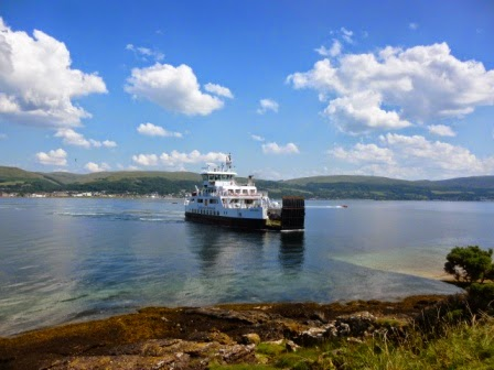 The ferry arriving at the Isle of Cumbrae ready to take us back to Largs - where we would find some more Miniature Golf courses...