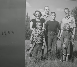 VIC'S PHOTOS; Family portrait (1953)