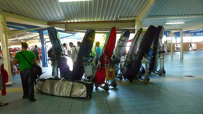 surfari maldivas aeropuerto male tablas surf