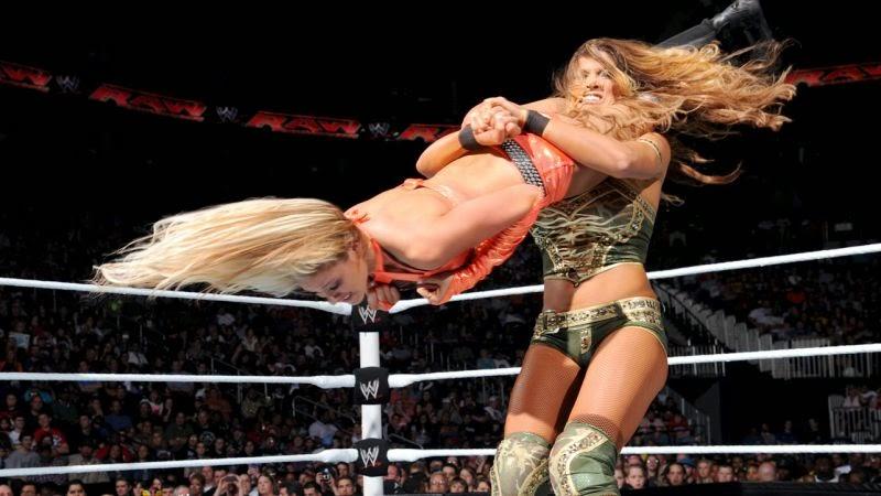 Kelly Kelly-Eve-WWE Divas