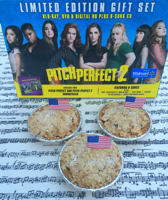 American Pie Crumble - Individual Apple Pies for Pitch Perfect 2 Party | www.jacolynmurphy.com