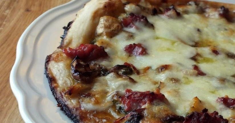 Le nostre ricette pizza boscaiola con porcini for Pizza con planetaria