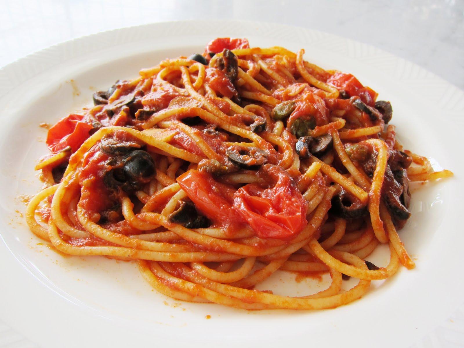 Kitchen comforts: Spaghetti alla Puttanesca