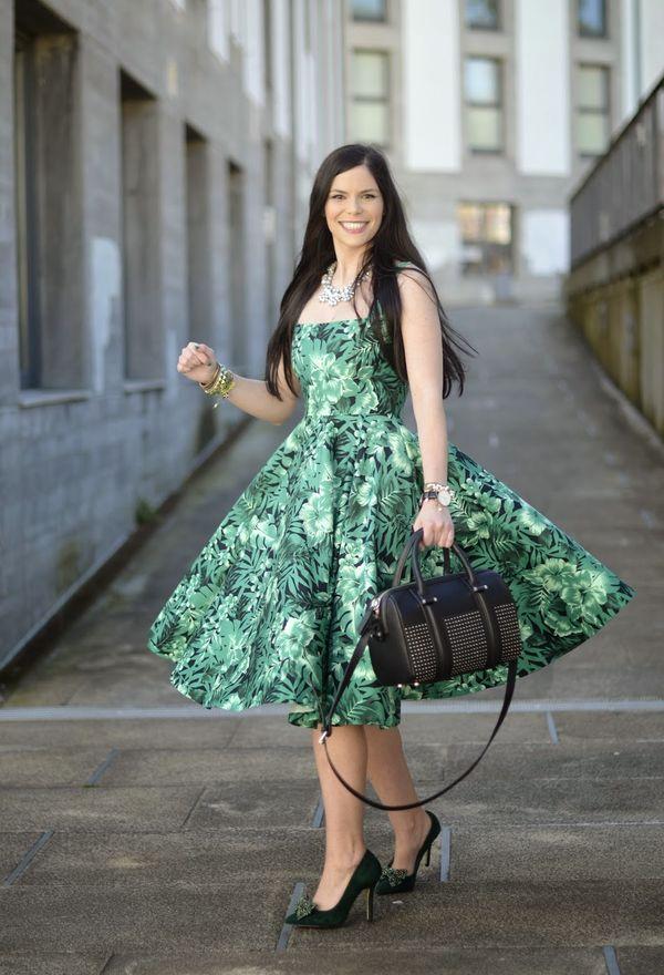 Vestidos casuales de moda color verde