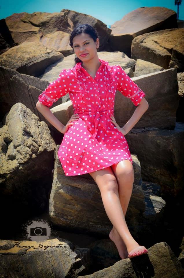 Madhu Mendis hot pink legs at beach