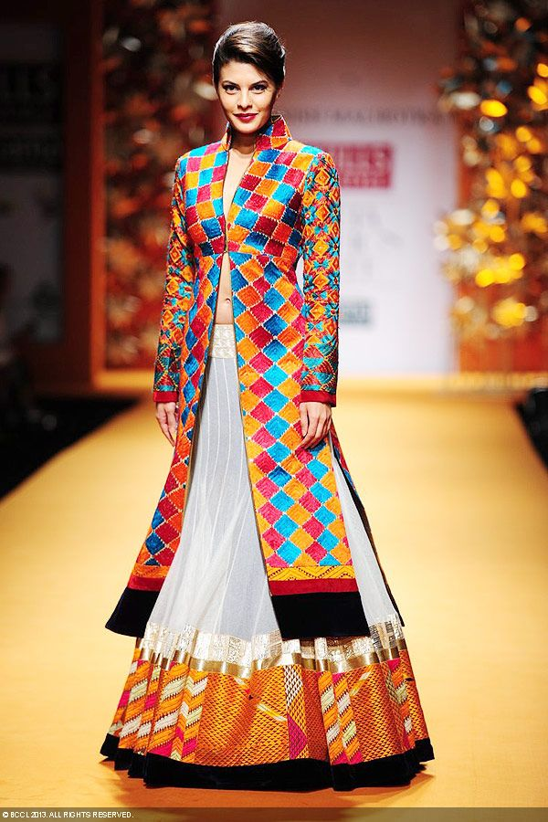 Beautiful Sri Lankan Girl Jacqueline Fernandez Stills In