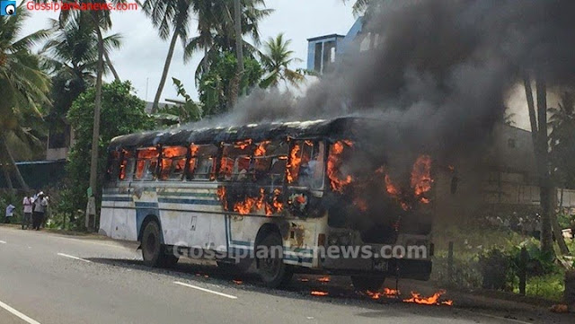 Galle bound passenger bus catches fire on Samudra Mawatha