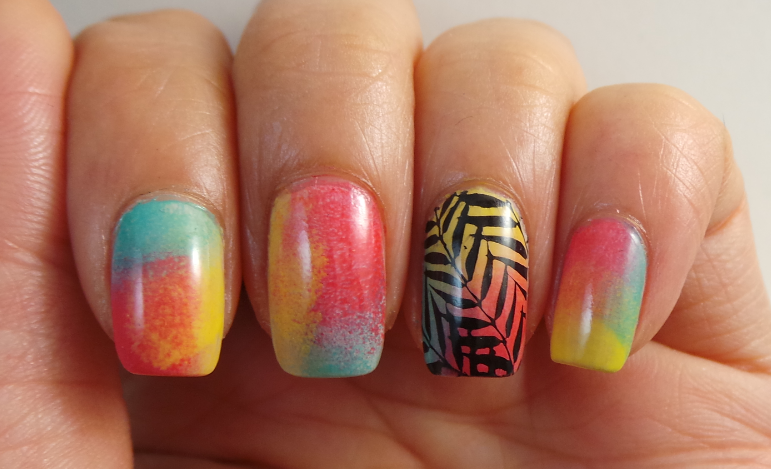 CANVAS lacquer: Vacation Nails with MoYou Stamping
