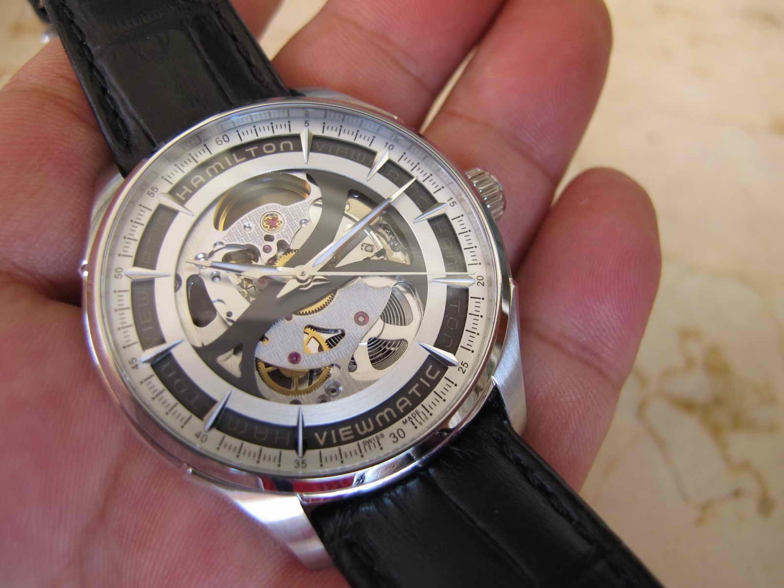 Lengkap dengan box HAMILTON manual dan warranty card pembelian Mei 2014 Cocok untuk Anda yang sedang mencari jam tangan model Skeleton Swiss made
