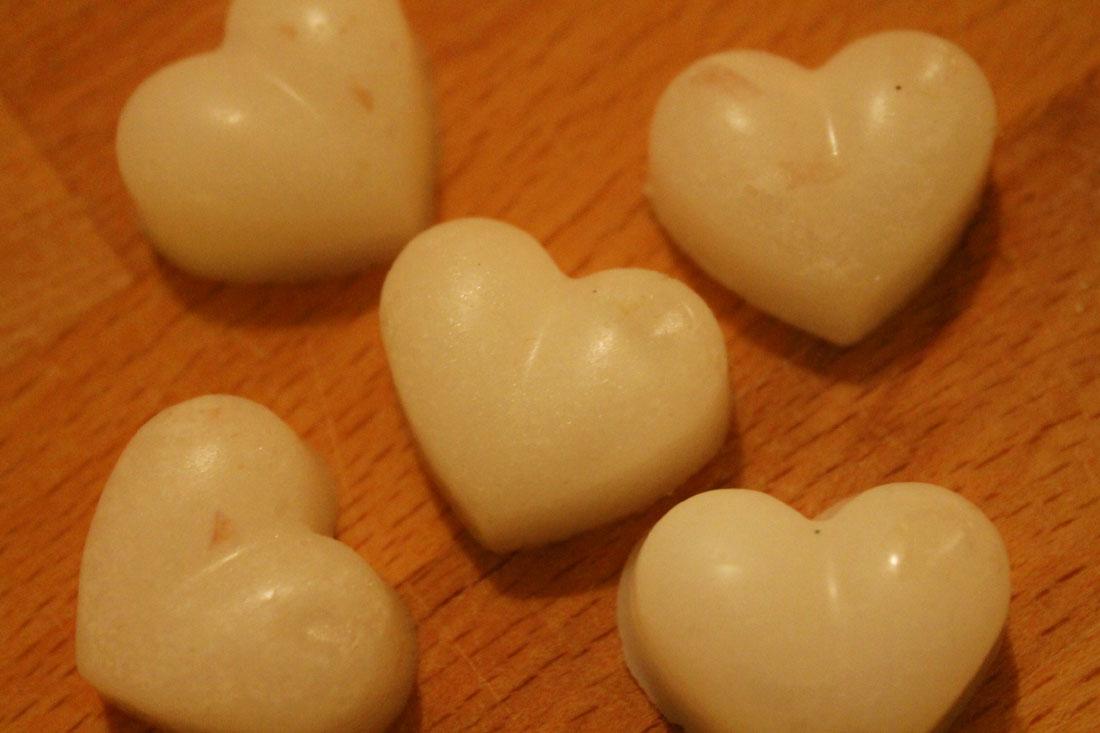 Scrub per il corpo con olio di cocco e zucchero semolato