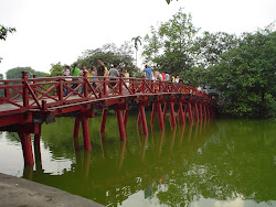 Photos de Hanoi pont rouge
