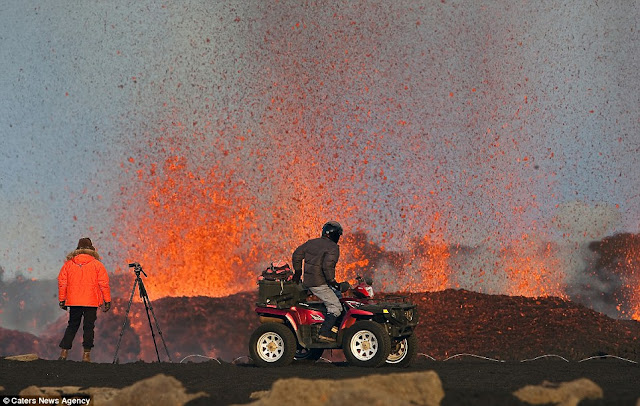 Gunung berapi di Iceland oleh Skarphedinn Thrainsson