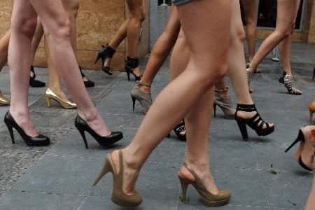 feet women: